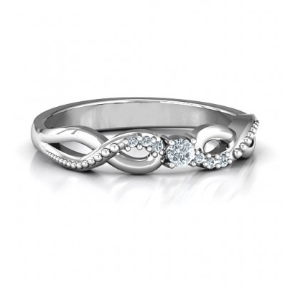 Klassische Solitare Sparkle Ring mit Accented Infinity Band