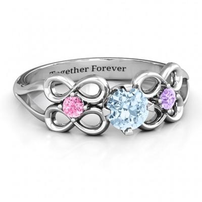 Quad Infinity Ring mit Zentrum Stein und Dual Akzent Ring