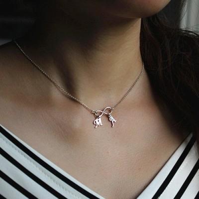 Personalisierte Unendlichkeit Halskette Doppel Initialen Sterlingsilber