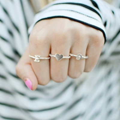 Stapelbare Midi Initial Ring Sterling Silber