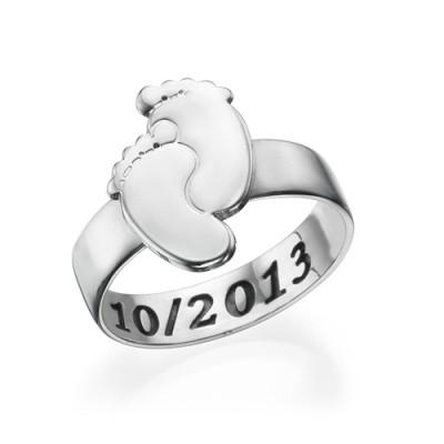 Gravierte Baby Feet Ring