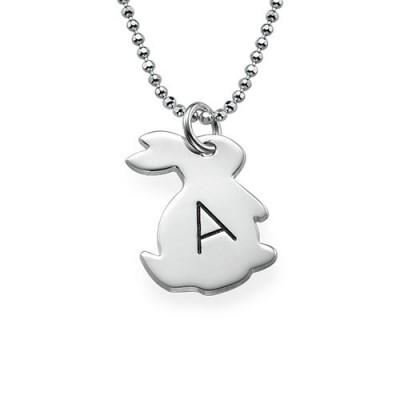 Tiny Kaninchen Halskette mit Initial in Silber
