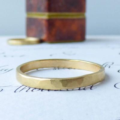 Arturo Hammered Wedding Ring für Männer im Fairtrade Gold