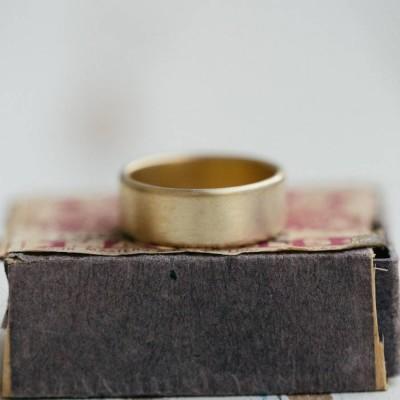 Mensweit Brushed Kissen Ehering 18 karätigem Gold